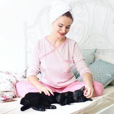 @andreea.balaban: N-am eu blană ori program de voie 24/24 dar mă consolez cu gândul la weekend și-o pijama moale #uniconf-ică. Să tot fii pisică. 😻  #Regram via @uniconf Fii, Comfy Pajamas, Pajamas Women, Ruffle Blouse, Instagram Posts, Outfits, Tops, Fashion, Moda