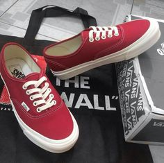 Mens Vans Shoes, Men's Shoes, Shoe Boots, Shoes Sneakers, Tennis Fashion, Vans Style, Mix Style, Vans Off The Wall, Shoe Rack