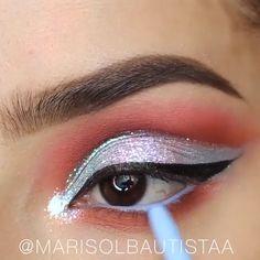5 Eye Makeup Videos from Marisol Bautista - EYE Makeup Eye Makeup Designs, Eye Makeup Tips, Makeup Geek, Makeup Inspo, Eyeshadow Makeup, Makeup Inspiration, Makeup Brushes, Beauty Makeup, Beautiful Eye Makeup