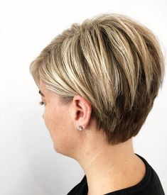 Chic Short Haircuts for Women Over 50 Short Hairstyles 2018 2019 Most Popular Short Hairstyles for 2019 Short Choppy Haircuts, Haircuts For Fine Hair, Modern Haircuts, Short Hairstyles For Women, Hairstyles 2018, Bob Haircuts, Layered Hairstyles, Haircut Short, Short Haircuts Over 50