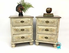 Monkey Décor is close Gold Leaf Furniture, Metallic Painted Furniture, Mirrored Furniture, Metal Furniture, Bedside Lockers, Monkey Decorations, Gold Gilding, Shabby Chic, Vintage Fashion