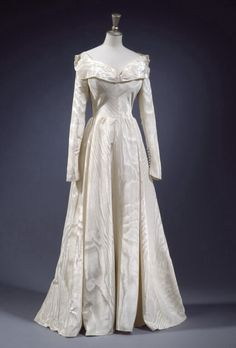 Taffeta wedding dress c. 1948