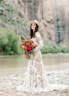 Bohemian Wedding Dresses (Pege The Choice of Free Spirit Brides: Bohemian Wedding Dress Bohemian fashion trend is the place to say in recent years. Shabby looks, tassels, low-shoul. Bohemian Bride, Bohemian Wedding Dresses, Wedding Dress Trends, Bohemian Weddings, Indian Weddings, Bohemian Fashion, Style Fashion, Fashion Tips, Bridal Hat