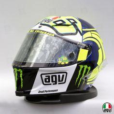 Vale's Pista GP for the winter tests Valentino Rossi, Racing Helmets, Motorcycle Helmets, Biker Accessories, Helmet Paint, Drone Technology, Riding Gear, Monster Energy, Motogp