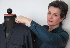 Eine Bluse, die schnell genäht ist wie ein Shirt? Blusenshirt Kim_B machts möglich! | b-patterns Pdf Patterns, Casual Chic, Retro, Fashion, Handbags, Lugares, Dressmaking, Sew Tote Bags, Plus Size Sewing