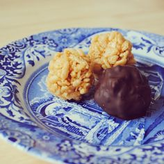 Southern Curls & Pearls: Peanut butter, Chocolatey Goodness