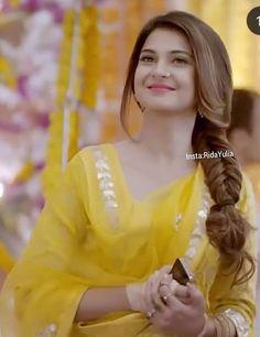 Bepanah, my fave drma! Pakistani Actress, Bollywood Actress, Beautiful Indian Actress, Beautiful Actresses, Jennifer Winget Beyhadh, Tashan E Ishq, K Wallpaper, My Hairstyle, Hairstyle Ideas