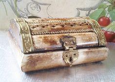"""Vintage Decorative Trinket Dresser Box / Hand Carved Jewelry Box / Jewelry Box / Brass and Bone Vanity Box / Size 4 1/2""""x3 1/2""""x1 3/4"""" on Etsy, $23.81"""