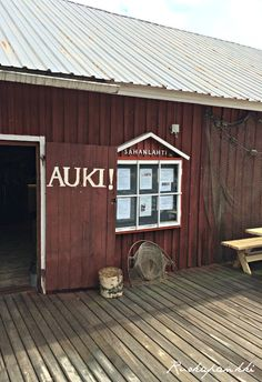 Ruokapankki: Sahanlahti #suomi #Finland #puumala #sahanlahti Garage Doors, Shed, Outdoor Structures, Lifestyle, Outdoor Decor, Home Decor, Decoration Home, Room Decor, Carriage Doors