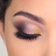 Love don't cost a thing…👯♀️🎶 Yass 🙌🏼or Naw 🥴 to this smokey eyes? By Perfect eye makeup looks! Love them all By: Glam makeup tutorial! I love the confidence that eye makeup gives me 😍😘 By: Party Makeup Looks, Cute Makeup, Glam Makeup, Makeup Tips, Makeup Products, Awesome Makeup, Makeup Geek, Makeup Tutorials, Makeup Inspo