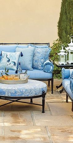 Our Carlisle Onyx Seating Collection offers more compelling choices than ever. The impeccable, grandly scaled cast-aluminum frames are crafted to stand the test of time. Outdoor Areas, Outdoor Rooms, Outdoor Sofa, Outdoor Living, Outdoor Furniture, Outdoor Decor, Furniture Logo, Fine Furniture, Furniture Design