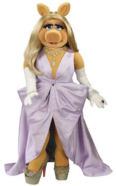 10 Reasons Missy Piggy is an Everyday Starlet #MissPiggy #Muppets Style Icon #Fashion www.EverydayStarlet.com