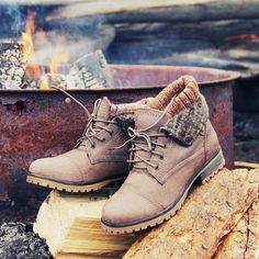 The Nor'wester Boots, Sweet & Rugged boots from Spool No.72 | Spool No.72-I'd totally wear these!