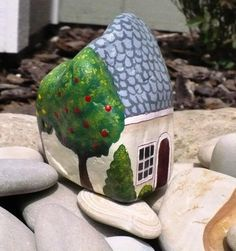 creative garden decorations and rock painting ideas