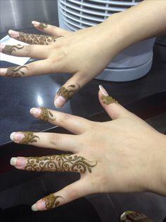 Simple henna on fingers