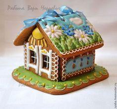 Купить или заказать 'Травы луговые' пряничный домик в интернет-магазине на Ярмарке Мастеров. Очень нежный и позитивный домик с ярким солнышком, ромашками, васильками и голубым небом поднимет настроение даже в хмурый день. Ведь солнышко светит всегда, даже когда оно за облаками! Такой домик станет необычным и оригинальным подарком на 8 марта, день рождения, Пасху, хотя вобщем-то не нужно повода, чтобы порадовать дорогого Вам человека. Домик можно выполнить в другой цветовой гамме.