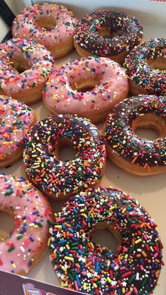 Snack Foods Bad For You. Snack Shack Food Ideas when Healthy Snacks For Junk Food Lovers Cute Food, I Love Food, Delicious Donuts, Yummy Food, Kreative Desserts, Junk Food Snacks, Food Goals, Aesthetic Food, Food Cravings