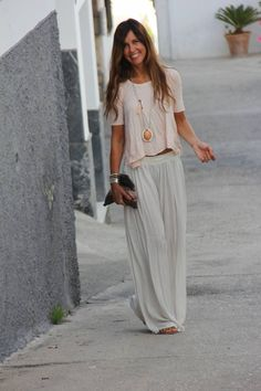 Look boho chic, hippie style, boho style, hot days, long skirt outfits for summer Mode Outfits, Casual Outfits, Summer Outfits, Dress Casual, Skirt Outfits, Summer Clothes, Fall Outfits, Vetement Hippie Chic, Look Fashion