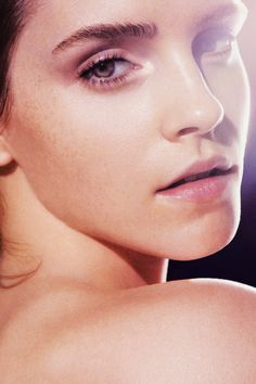 Keeping you up to date with all things Emma Watson since Enjoy! Alex Watson, Lucy Watson, Emma Watson Style, Hermione Granger, Harry Potter Film, Hollywood Celebrities, Hollywood Actresses, Emma Beauty, Emma Watson Makeup
