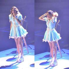 Violetta Live, Cinderella, Ballet Skirt, Disney Princess, Disney Characters, Queen, Fashion, Singers, Templates