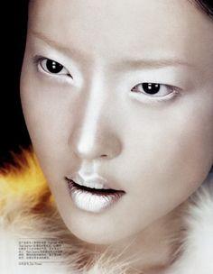 White/Silver make-up #whitewonderland