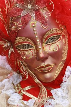 Italy / Carnival in Venice by Rudi Roels, via ... | Costumes: Theat...427 x 640177.1KBpinterest.com