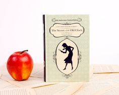 Fabulous eReader covers on Etsy that look like classic books.