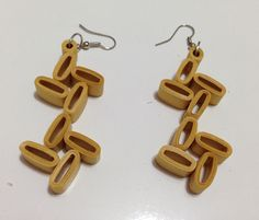 quilling earrings golden , with a sweker