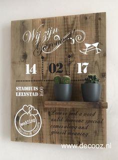 Houten bord voor bruiloft, trouwbord van hout, trouwkaart op hout, huwelijkscadeau, cadeau voor bruidspaar