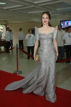 filipiniana dress of lucy torres - Yahoo Image Search Results Modern Filipiniana Gown, Filipiniana Wedding Theme, Wedding Dress, Filipino Fashion, Fall Dresses, Formal Dresses, Dress Outfits, Fashion Outfits, Fashion Ideas