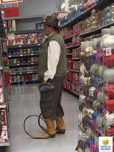 » 25 People You Would Only Find At Walmart