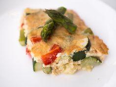Uunimunakas kasviksilla // Uino Vegetarian Food, Quiche, Breakfast, Morning Coffee, Vegetarian Cooking, Quiches, Vegan Food, Vegetarian Meals, Veggie Food