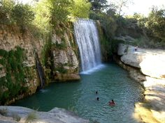 Salto de Pozán de Vero Places In Spain, Places In Europe, Places To See, Aragon, Beautiful Sites, Beautiful Places, Photos Voyages, City Landscape, Spain And Portugal