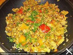 Sojaschnetzel mit Räuchertofu, Gemüse und Risottoreis