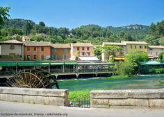 Fontaine-de-Vaucluse - Alpes-Côte d'Azur, Southern France - Watch > http://destinations-for-travelers.blogspot.com.br/2014/07/fontaine-de-vaucluse-vaucluse-france.html