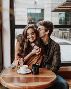 couple images, love photos of couples, love photos hd, sweet love images downloa. Cute Couples Photos, Cute Couples Goals, Romantic Couples, Couple Pictures, Couple Goals, Sweet Couples, Romantic Gifts, Couple Photoshoot Poses, Couple Photography Poses