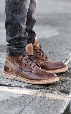 A striking pair, made for the casual male, FORCE. Street style meets functionality in this edgy chukka boot. Looks best worn with dark denim and a classic Henley. Very comparable to a RedWing style men's fashion boot