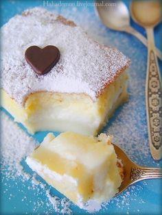 Умное пирожное - 4 яйца - 125 г масла - 500 мл теплого молока - 115 г муки - 150 г сахара - 0,5-1 чл ванилина без горки - 1 ст л воды