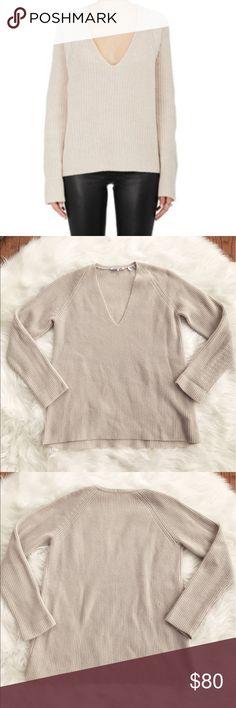 • Helmut Lang • Wool Cashmere V Neck Sweater - Helmut Lang - V Neck - Sweater - Cream colored - Excellent Condition  - Size Medium Helmut Lang Sweaters V-Necks