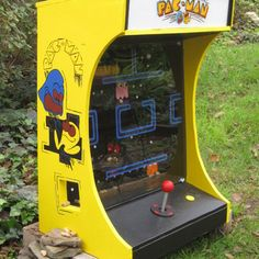 PacMan Squirrel Feeder Best Picture For air hockey table diy For Your Taste You are looking for something, and it is going to tell you. Squirrel Feeder, Bird Feeders, Air Hockey, Arcade Machine, Diy Table, Arcade Games, Bird Houses, Farm Animals, How To Memorize Things