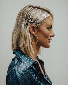 stepped up my hair game this NYFW ✨ thanks to kathleen hair Dee Williams-mims ., HAİR STYLE, stepped up my hair game this NYFW ✨ thanks to kathleen hair Dee Williams-mims for my favorite look! 💇🏼♀️ - Here's the breakdow. Damp Hair Styles, Short Hair Styles, Hair Clip Styles, How To Style Short Hair, Ouai Haircare Wave Spray, 90s Hairstyles, Bobby Pin Hairstyles, Hairstyles Videos, Pretty Hairstyles