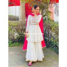Punjabi Suits Party Wear, Party Wear Indian Dresses, Designer Party Wear Dresses, Indian Wedding Outfits, Indian Weddings, Indian Outfits, Party Dresses, Stylish Dresses For Girls, Stylish Dress Designs