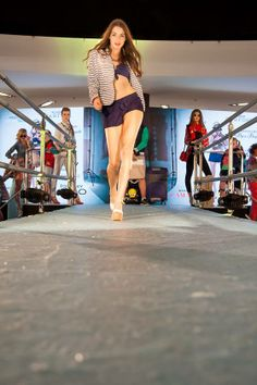 Vitanie jari Central - nákupné srdce Bratislavy Copyright: Najkrajsie modelky www.facebook.com/... Foto: VISUALS.sk www.visuals.sk/ Stuart Weitzman, Oc, Fashion Show, Facebook, Sandals, Heels, Heel, Shoes Sandals, High Heel