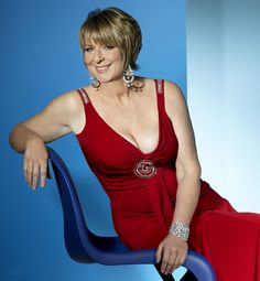 Fern Britton, TV personality, popular with milflovers everywhere Fern Britton, Look Older, Aged To Perfection, Tv Presenters, British Actresses, Celebs, Celebrities, Sexy Curves, Real Women