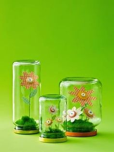 4 Fun Ways to Use Buttons - - Create colorful DIY decor with these cute-as-a-button ideas. Jar Crafts, Cute Crafts, Easter Crafts, Diy And Crafts, Flowers In Jars, Paper Flowers, Craft Flowers, Drawing Flowers, Diy For Kids