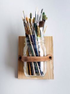Paint brush organization for office