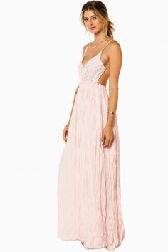 Maybe I'm Dreaming Maxi Dress in Pink// The only Maxi that looks great on my figure//