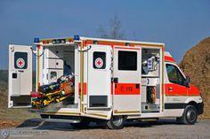 Große WAS Fotoaktion 2016 Galerie - Wietmarscher Ambulanz- und Sonderfahrzeug GmbH Luxury Van, Public Security, Emergency Vehicles, Fire Engine, Fire Department, Recreational Vehicles, Trucks, Cars, Car Box