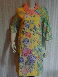 Blouses for women – Lady Dress Designs Model Dress Batik, Batik Dress, Kurti Sleeves Design, Kurta Neck Design, Dress Neck Designs, Designs For Dresses, Stylish Dresses, Casual Dresses, Fashion Dresses