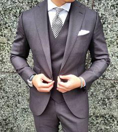 Men and Women's Fashion Der Gentleman, Gentleman Style, Sharp Dressed Man, Well Dressed Men, Men's Suits, Fashion Moda, Mens Fashion, Mens Attire, Weekend Style